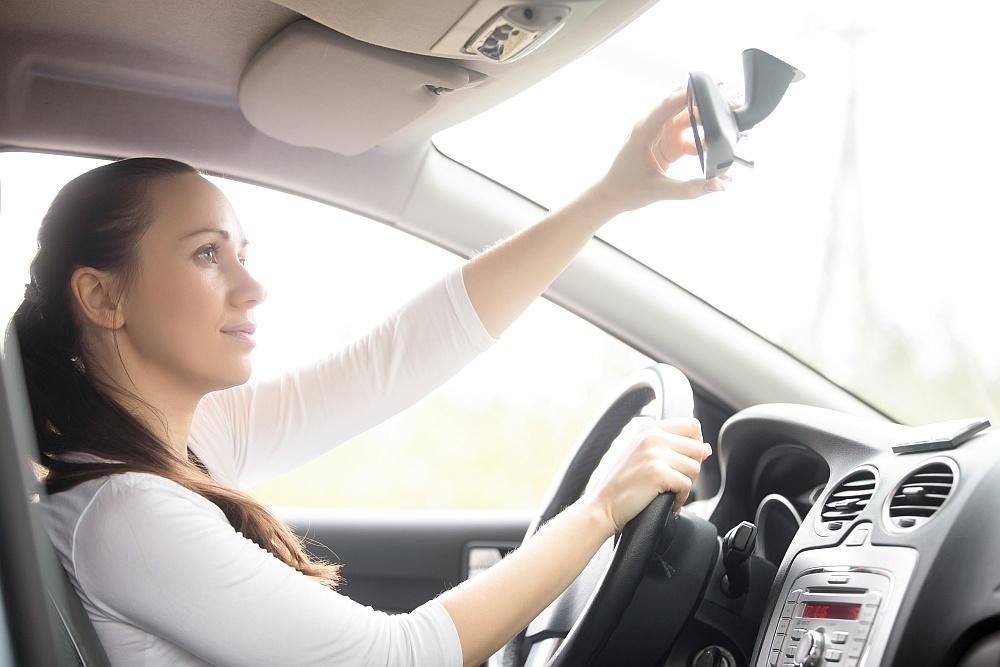 Czym się powinniśmy kierować przy wyborze szkoły, aby uzyskać prawo jazdy?
